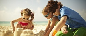 niños playa perdidos