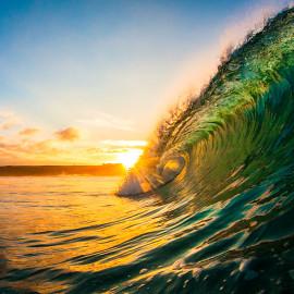 MINDFULNESS Y SURF: coger la ola es como dirigir tus pensamientos.